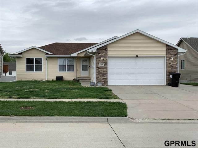 1919 NW 44 Street, Lincoln, NE 68528 (MLS #22109297) :: Don Peterson & Associates