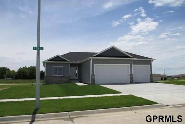 1425 E 9Th Street, Hickman, NE 68372 (MLS #22109364) :: Omaha Real Estate Group