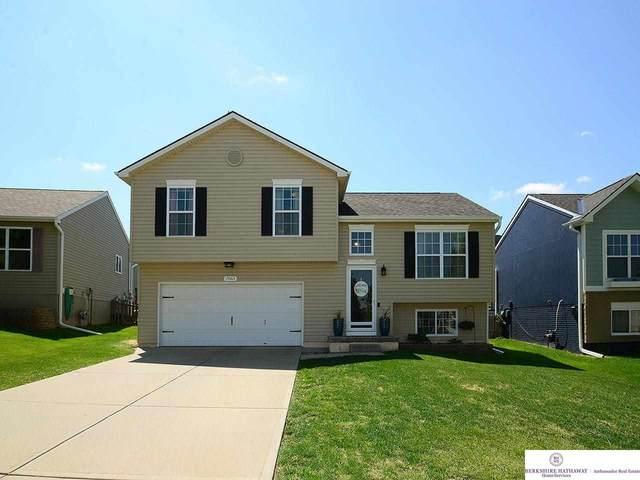 19365 U Street, Omaha, NE 68135 (MLS #22109408) :: Omaha Real Estate Group