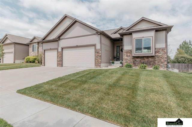 8010 Mandalay Drive, Lincoln, NE 68516 (MLS #22109420) :: Omaha Real Estate Group
