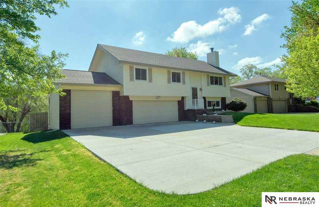 2405 N 189th Street, Omaha, NE 68022 (MLS #22109531) :: Omaha Real Estate Group