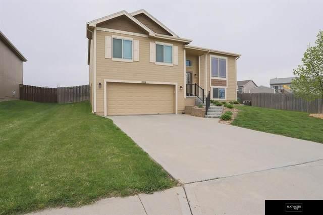 18810 Y Street, Omaha, NE 68135 (MLS #22109551) :: Omaha Real Estate Group