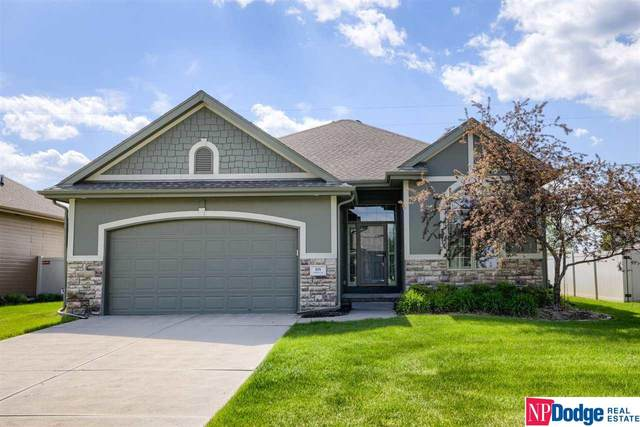 904 S 201 Street, Omaha, NE 68022 (MLS #22109651) :: Omaha Real Estate Group