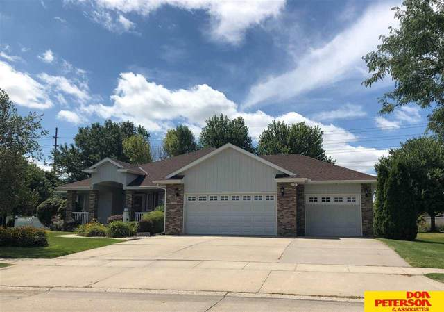 735 Day Drive, Fremont, NE 68025 (MLS #22109697) :: Dodge County Realty Group