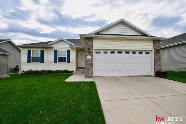 1724 NW Flader Court, Lincoln, NE 68528 (MLS #22109711) :: The Homefront Team at Nebraska Realty