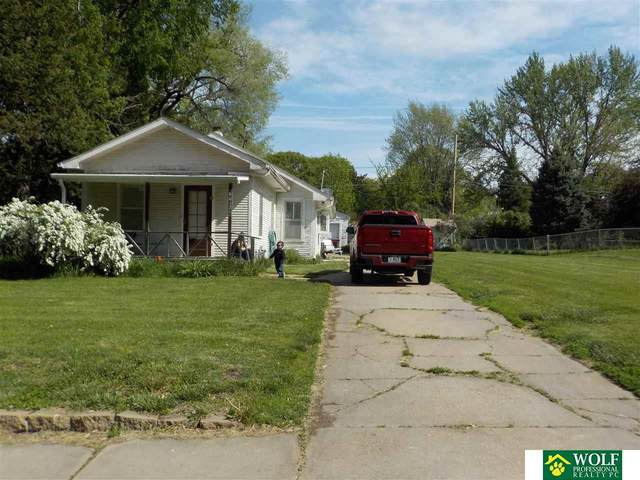 6042 Leighton Avenue, Lincoln, NE 68507 (MLS #22109744) :: Lincoln Select Real Estate Group