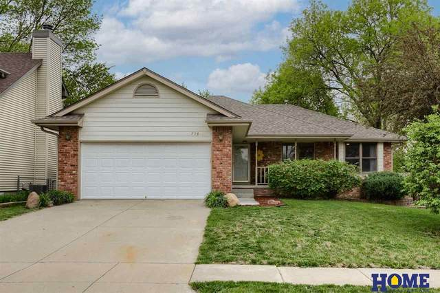 738 Glenarbor Drive, Lincoln, NE 68512 (MLS #22109814) :: The Homefront Team at Nebraska Realty