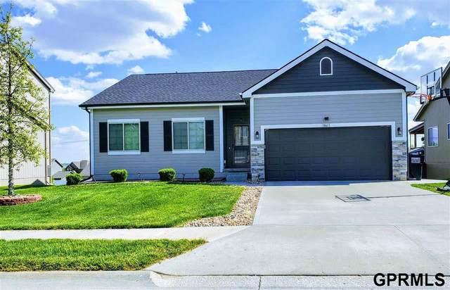 18611 Polk Street, Omaha, NE 68135 (MLS #22109929) :: Complete Real Estate Group
