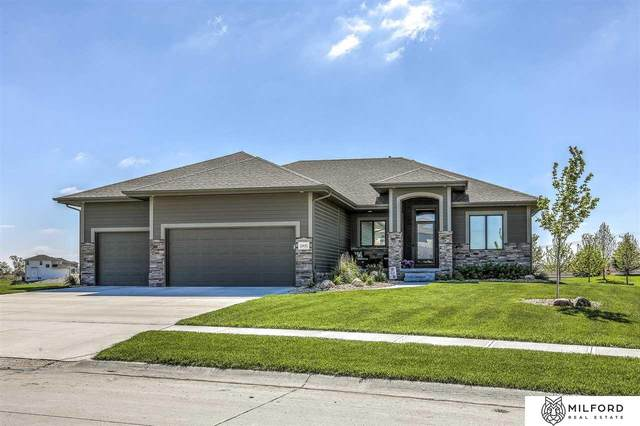 10435 S 105TH Street, Papillion, NE 68046 (MLS #22109951) :: The Briley Team