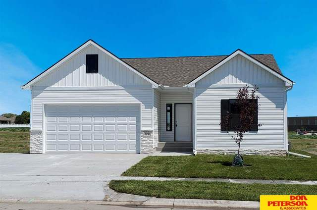 3020 Cottage Grove Lane, Fremont, NE 68025 (MLS #22109998) :: The Briley Team