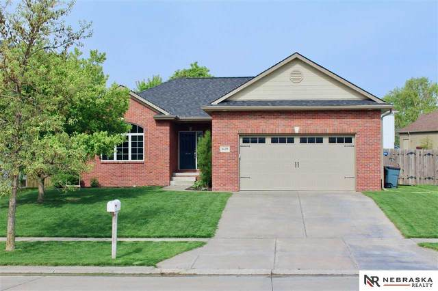 6129 S 96th Street, Lincoln, NE 68526 (MLS #22110038) :: kwELITE