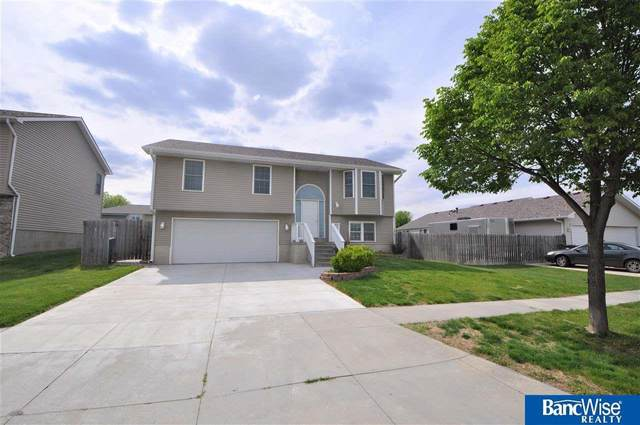 2441 NW 43 Street, Lincoln, NE 68528 (MLS #22110047) :: Capital City Realty Group