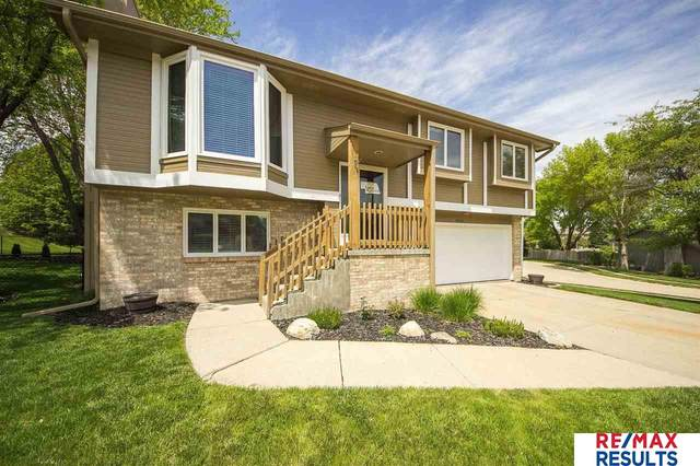 16746 Pierce Circle, Omaha, NE 68130 (MLS #22110057) :: Capital City Realty Group