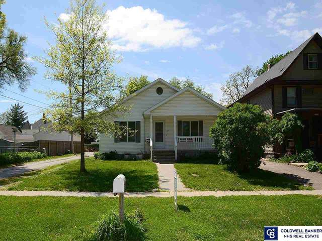 2127 N 68th Street, Lincoln, NE 68505 (MLS #22110100) :: Dodge County Realty Group