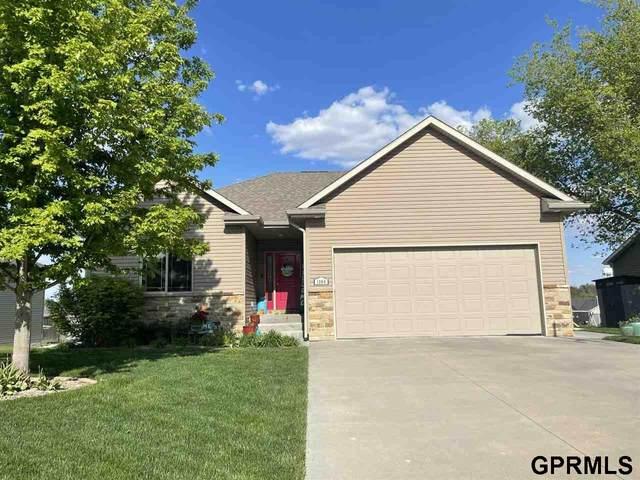 1004 Ridge Road, Hickman, NE 68372 (MLS #22110149) :: Lincoln Select Real Estate Group