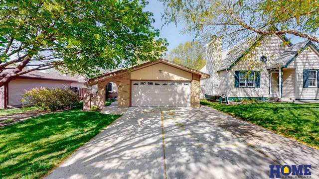 4601 S 58th Street, Lincoln, NE 68516 (MLS #22110165) :: kwELITE