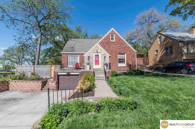 2220 S 60Th Street, Omaha, NE 68106 (MLS #22110172) :: Lincoln Select Real Estate Group