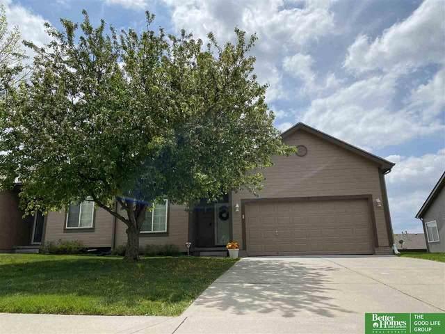 1015 Edward Street, Papillion, NE 68046 (MLS #22110204) :: Dodge County Realty Group