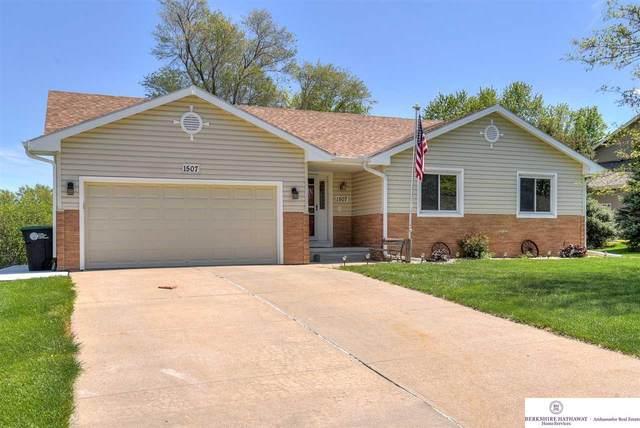 1507 N 211 Street, Omaha, NE 68022 (MLS #22110208) :: Don Peterson & Associates