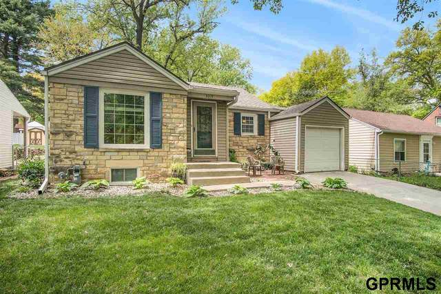 3019 S 44th Street, Lincoln, NE 68506 (MLS #22110286) :: Lincoln Select Real Estate Group