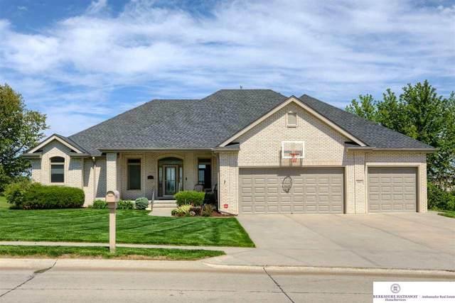 20013 Elkhorn Ridge Drive, Omaha, NE 68022 (MLS #22110293) :: Don Peterson & Associates