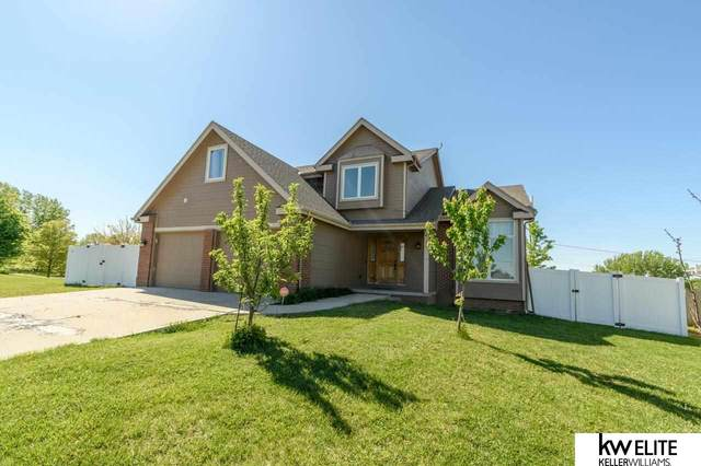 1813 Rock Bluff Road, Plattsmouth, NE 68048 (MLS #22110304) :: kwELITE