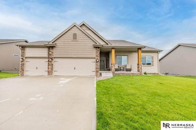 7851 S 188th Street, Omaha, NE 68136 (MLS #22110340) :: Complete Real Estate Group