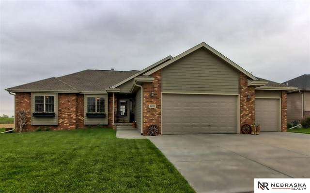 10120 N 152Nd Street, Waverly, NE 68462 (MLS #22110381) :: Don Peterson & Associates