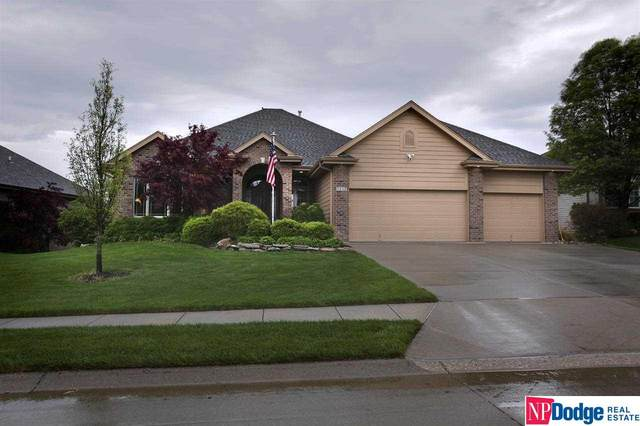 5417 N 166 Avenue, Omaha, NE 68116 (MLS #22110396) :: Don Peterson & Associates