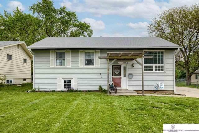 13924 P Street, Omaha, NE 68137 (MLS #22110409) :: Don Peterson & Associates