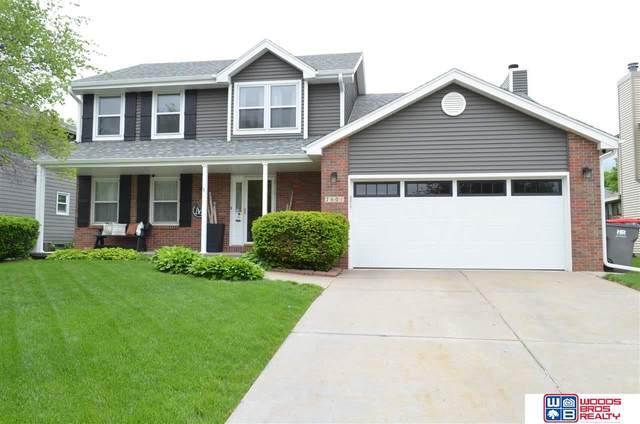 7601 Ali Drive, Lincoln, NE 68507 (MLS #22110664) :: Catalyst Real Estate Group