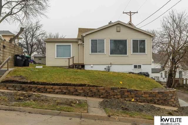 2411 Castelar Street, Omaha, NE 68105 (MLS #22110729) :: Lighthouse Realty Group