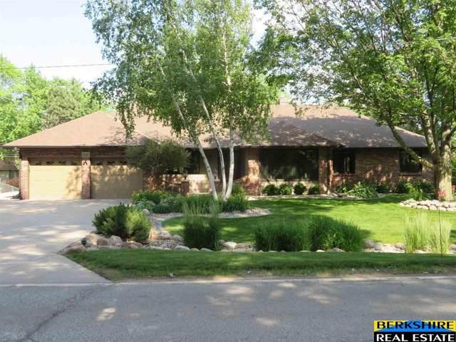 1023 Skyline Drive, Omaha, NE 68022 (MLS #22111211) :: Capital City Realty Group
