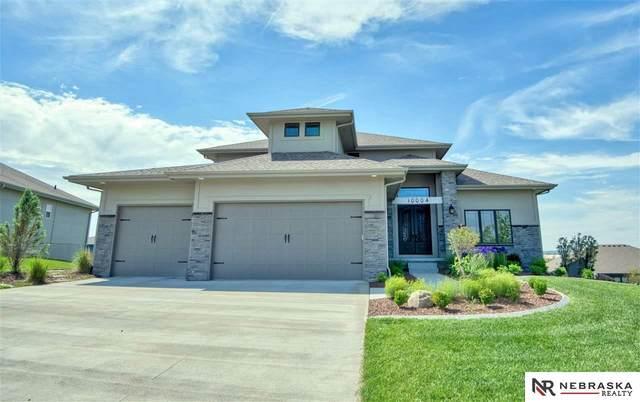 10004 S 105th Avenue, Papillion, NE 68128 (MLS #22111288) :: Berkshire Hathaway Ambassador Real Estate