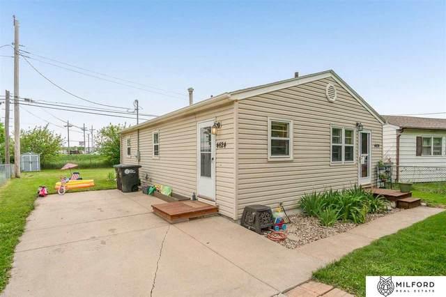4624 S 63 Street, Omaha, NE 68117 (MLS #22111422) :: Don Peterson & Associates