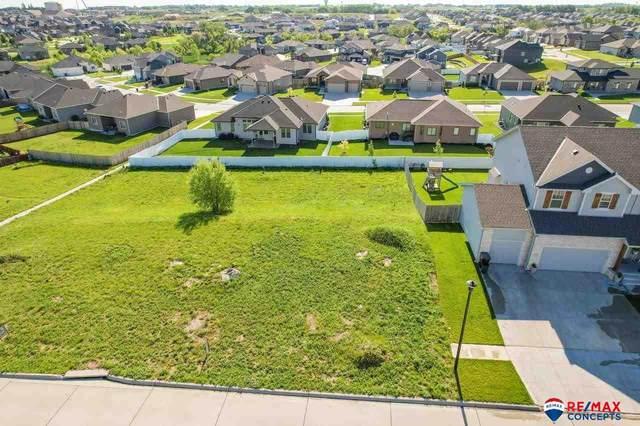 9510 Fairbury Lane, Lincoln, NE 68516 (MLS #22111586) :: Catalyst Real Estate Group