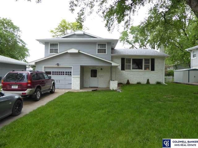 12670 Holmes Street, Omaha, NE 68137 (MLS #22111758) :: Don Peterson & Associates
