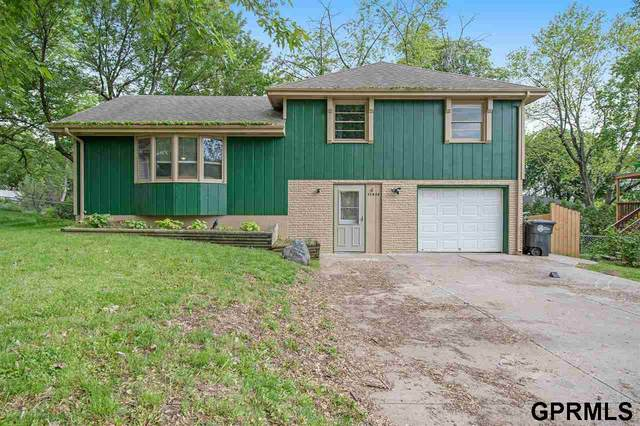 11413 S Circle, Omaha, NE 68137 (MLS #22111905) :: Don Peterson & Associates
