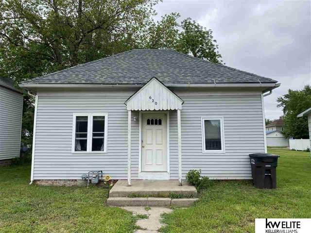 620 W 5th Street, York, NE 68467 (MLS #22111911) :: kwELITE