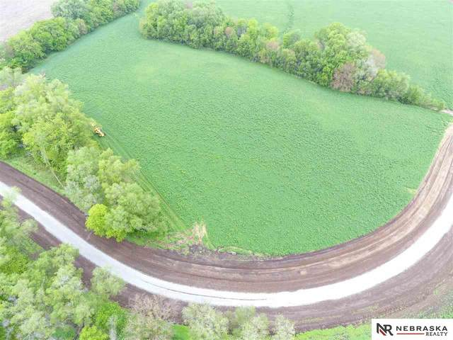 11 Woodland Road, Wahoo, NE 68066 (MLS #22111920) :: Elevation Real Estate Group at NP Dodge