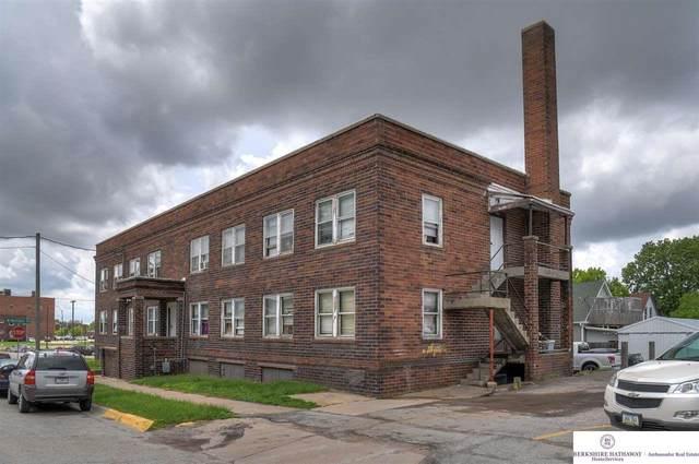 208 Scott Street, Council Bluffs, IA 51503 (MLS #22112040) :: Capital City Realty Group