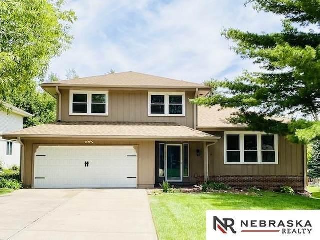 1523 S 141st Circle, Omaha, NE 68144 (MLS #22112171) :: Berkshire Hathaway Ambassador Real Estate