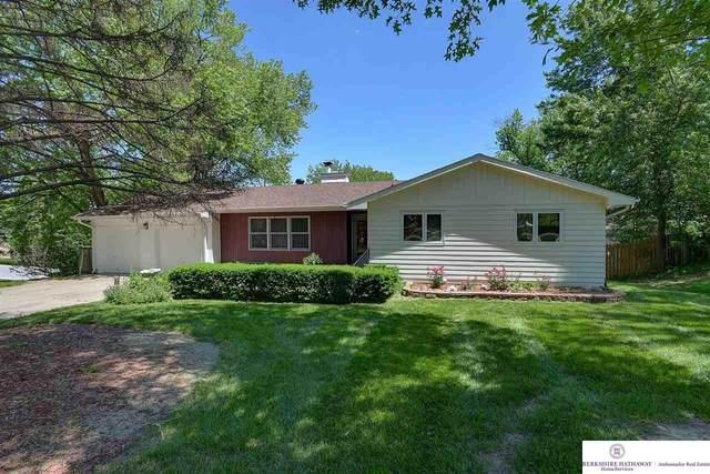 1105 S 95 Street, Omaha, NE 68124 (MLS #22112383) :: Elevation Real Estate Group at NP Dodge