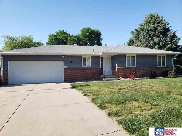 916 Sharon Road, Beatrice, NE 68310 (MLS #22112445) :: Capital City Realty Group