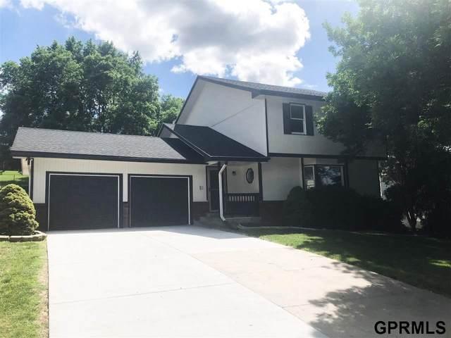 11321 Sahler Street, Omaha, NE 68164 (MLS #22112447) :: Elevation Real Estate Group at NP Dodge