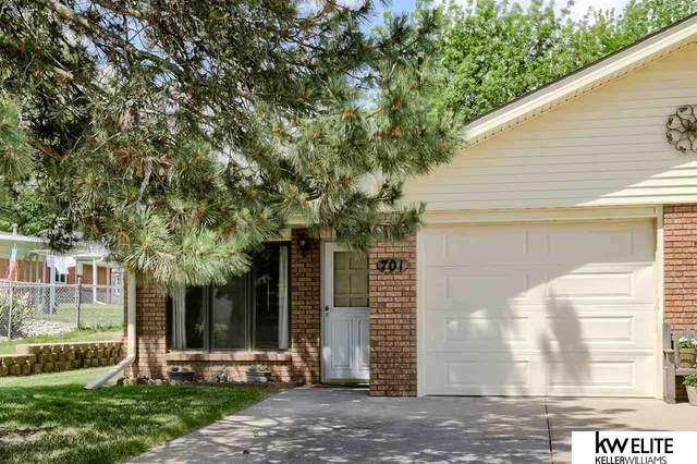 701 N 60 Street #11, Lincoln, NE 68505 (MLS #22112526) :: Berkshire Hathaway Ambassador Real Estate