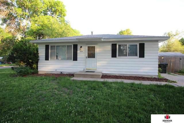 3235 Center Street, Lincoln, NE 68503 (MLS #22112580) :: Catalyst Real Estate Group