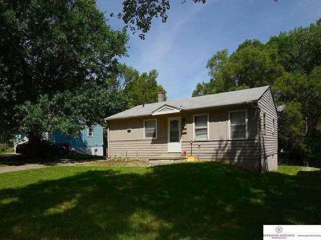 3368 Weber Street, Omaha, NE 68112 (MLS #22112601) :: Berkshire Hathaway Ambassador Real Estate