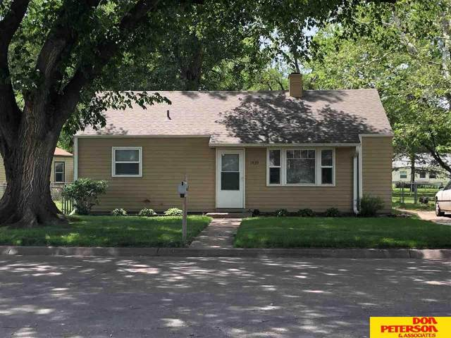 1939 Elm Street, Fremont, NE 68025 (MLS #22112610) :: kwELITE