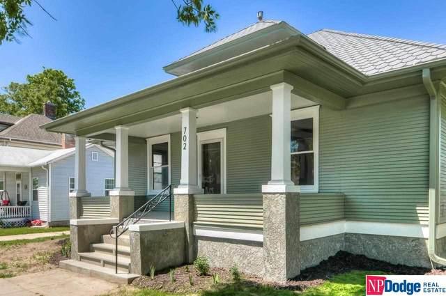 702 Bluff Street, Council Bluffs, IA 51503 (MLS #22112656) :: kwELITE